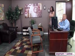 Videos porno padrasto pega enteada dormindo