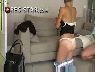 Novinha de mini saia sendo abuzada bebada dormindo