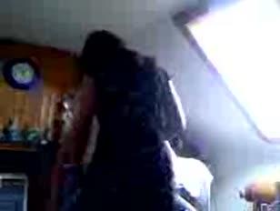 Vídeo pornô homem chupando peito da grávida até sair leite