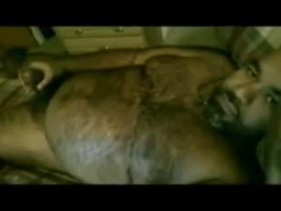 Natação madura de pelúcia indiana com boner 1