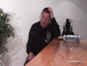Vídeos de seios durinhos sendo mamados